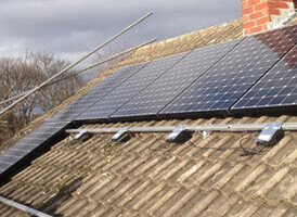 DIY solar panel enthusiasts and MCS solar installers of the UK.